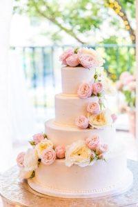 cake at wedding reception